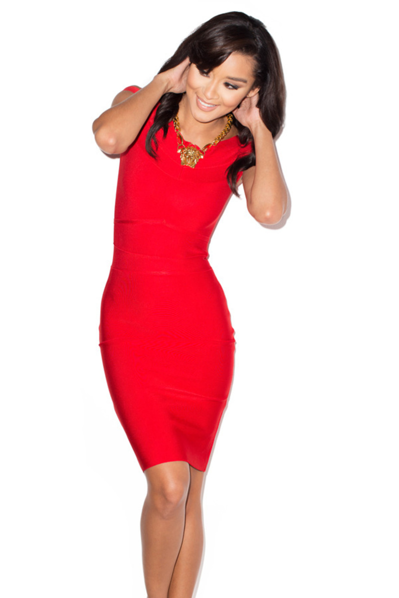 the scarlett bandage dress in red
