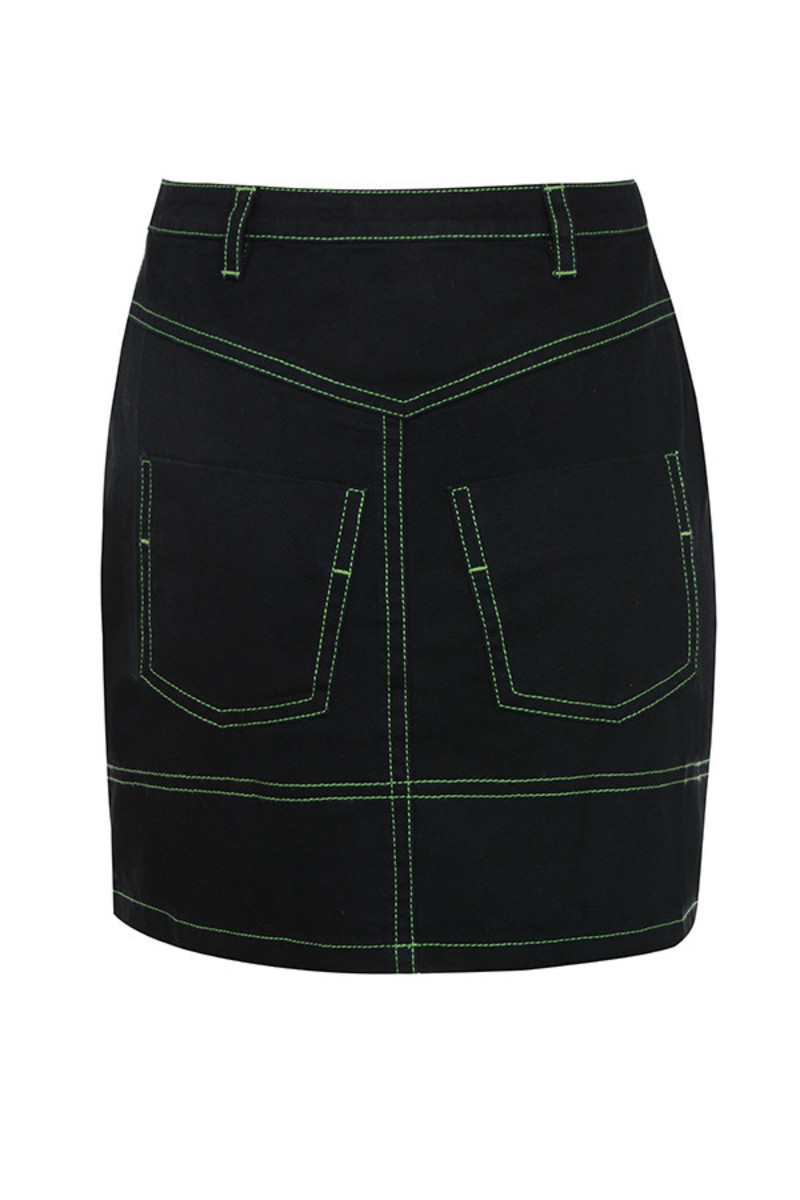 catch up skirt in black