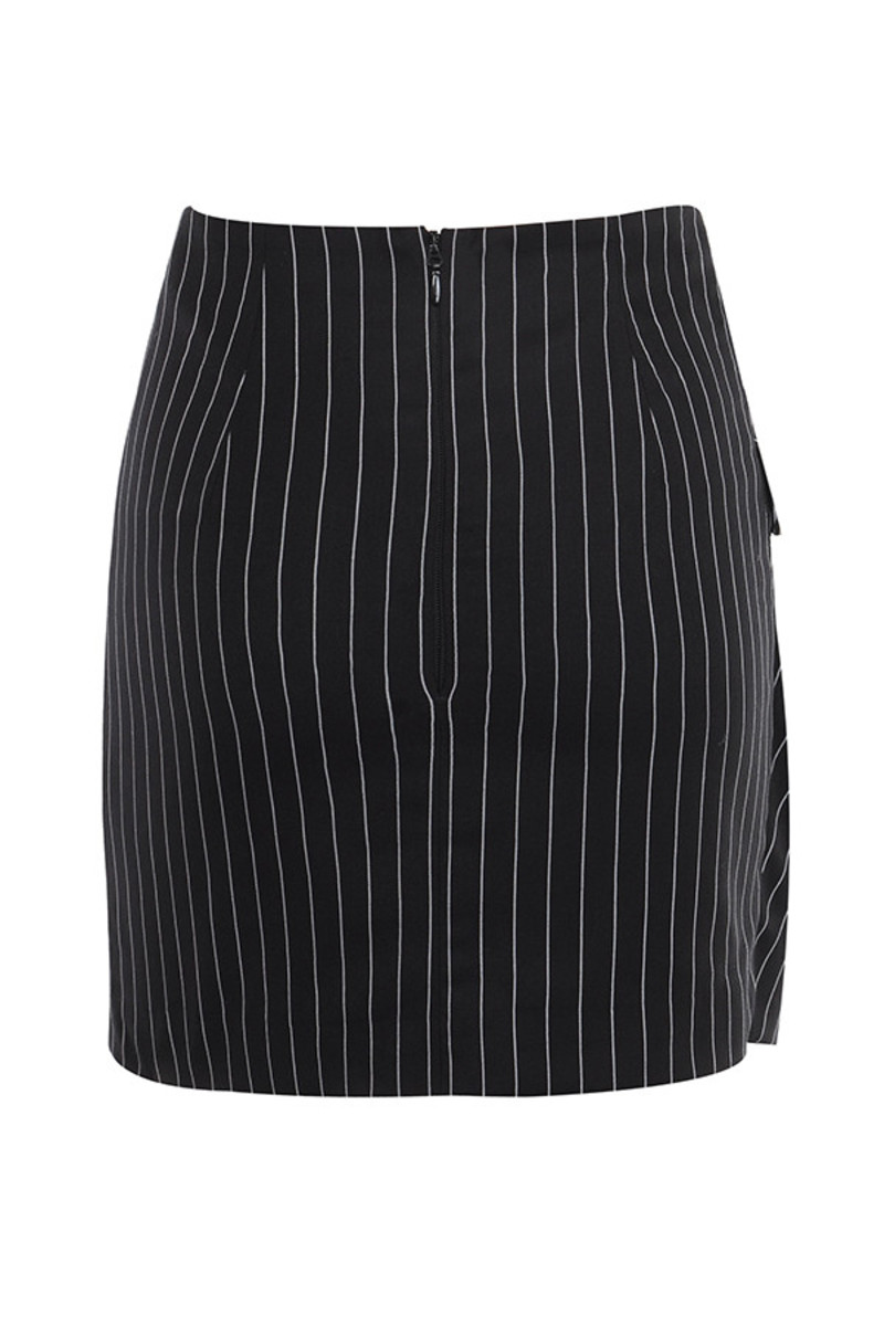 believer skirt in black