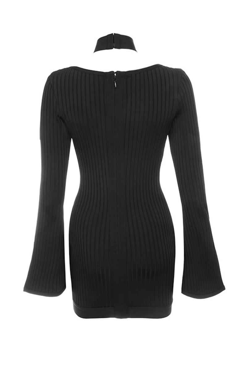 conjurer dress in black