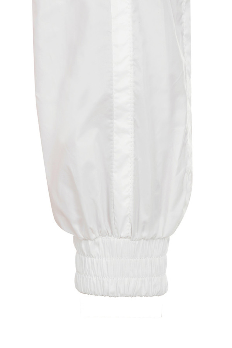 white breeze jacket