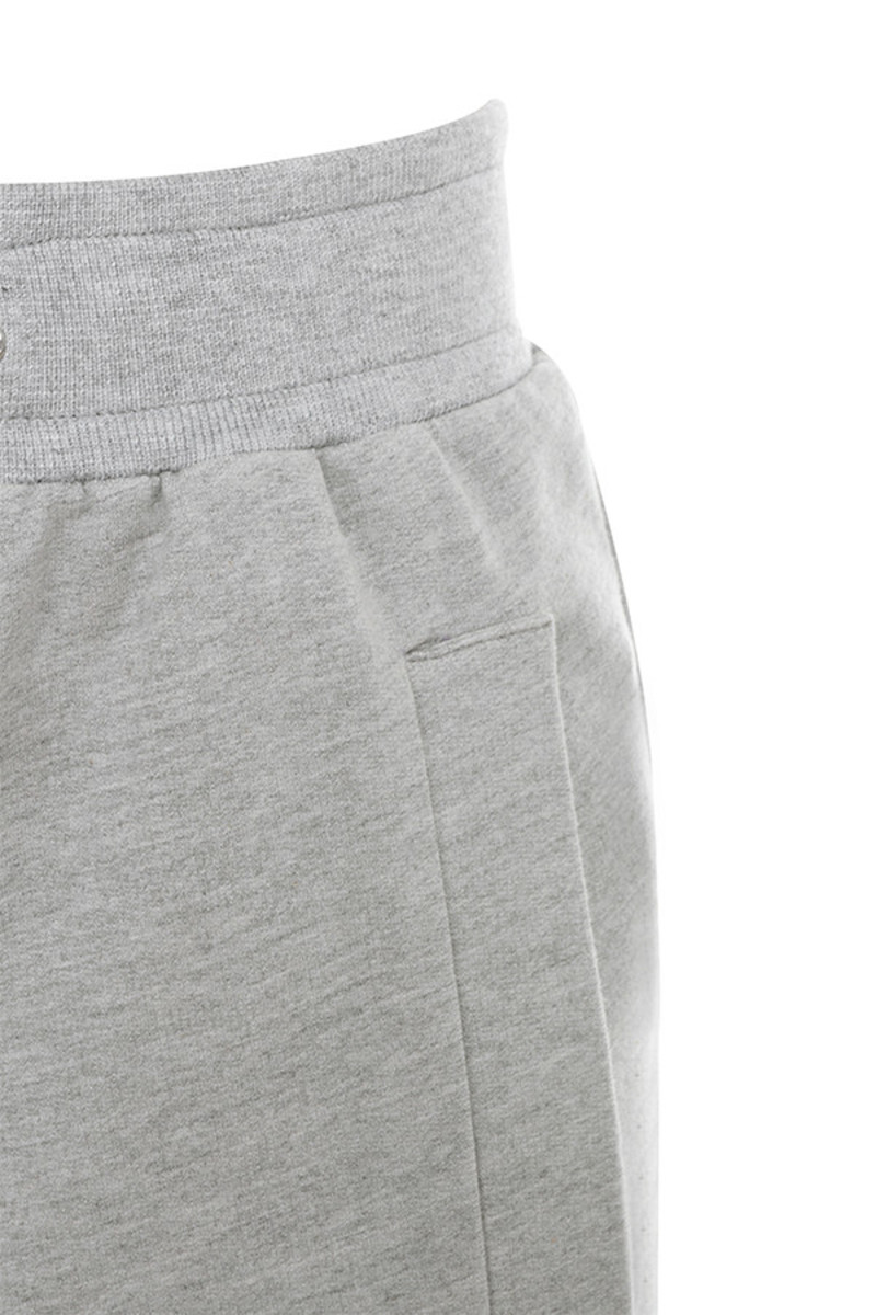 lyric in grey pants